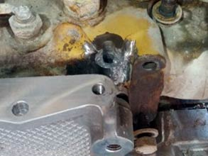 Broken bolt housing cleaned and roughened